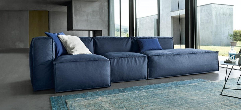 Divano blu notte idee per il design della casa - Divano velluto blu ...